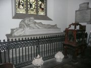 Recumbent effigy of Robert Bruce in south transept, east elevation, parish church from north west. Image: Amanda Gow (November 2007).  Image ID: 2260_108.JPG