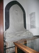 Recumbent effigy of Charles Bruce, south transept, southern elevation, parish church from north. Image: Amanda Gow (November 2007).  Image ID: 2260_110.JPG